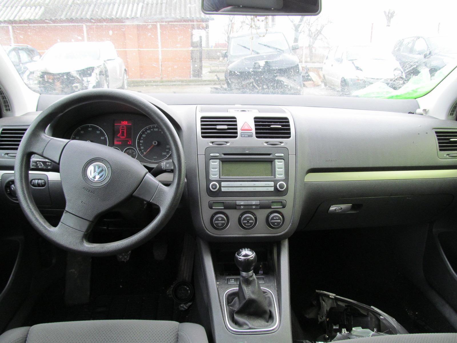 Auto Dezmembrate - Volskwagen Golf 1 6i 2008 Benzina
